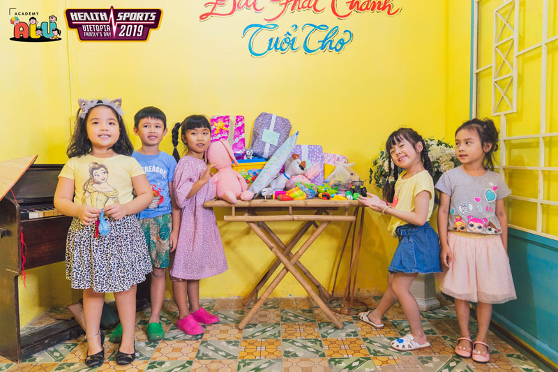 Vietopia & Làng Trẻ Em SOS Việt Nam: Cùng Trao Gửi Yêu Thương
